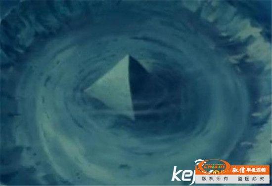 百慕大诡异事件 元凶或是海底透明金字塔